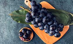 葡萄和什么一起吃好