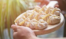 水饺就要吃现包的,速冻水饺危害这么大,看完你还敢吃速冻的吗?
