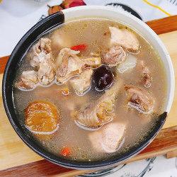板栗红枣炖鸡