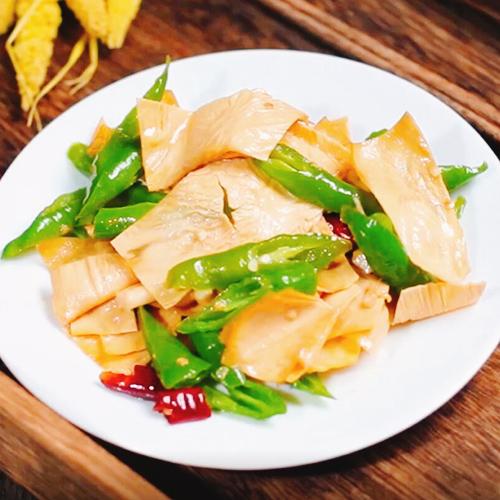 尖椒炒豆腐皮