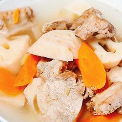 莲藕菱角排骨汤