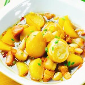 土豆炖五花肉鸡蛋