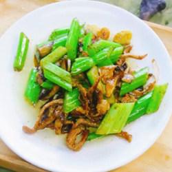 芹菜小蘑菇炒肉