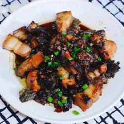 梅干菜蒸五花肉