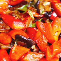 柿子椒炒香菇