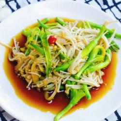 金针菇拌黄花菜