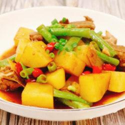 脊骨土豆炖豆角
