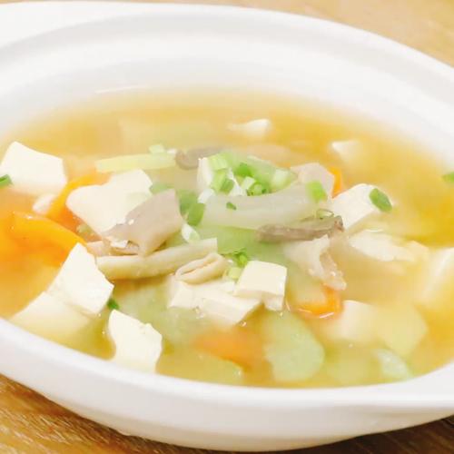 肥牛杂菜汤