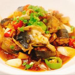 干锅蒜子鲶鱼