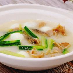 珍珠鱼肚海参汤