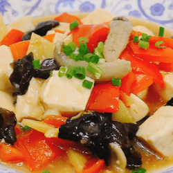 海参木耳烧豆腐