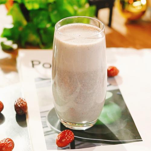 红枣芝麻热奶