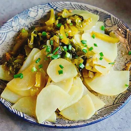 酸菜炒土豆片